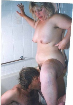Marie-betty high class erotische massage Großheide, NI